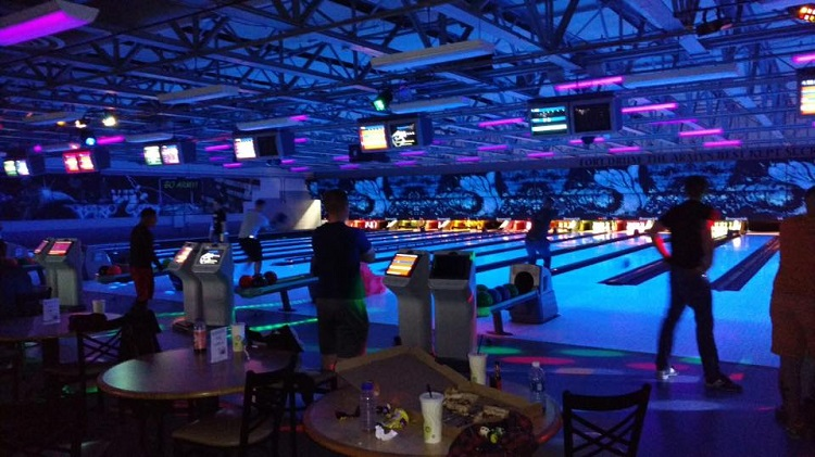 Weekly BOSS Bowling Party