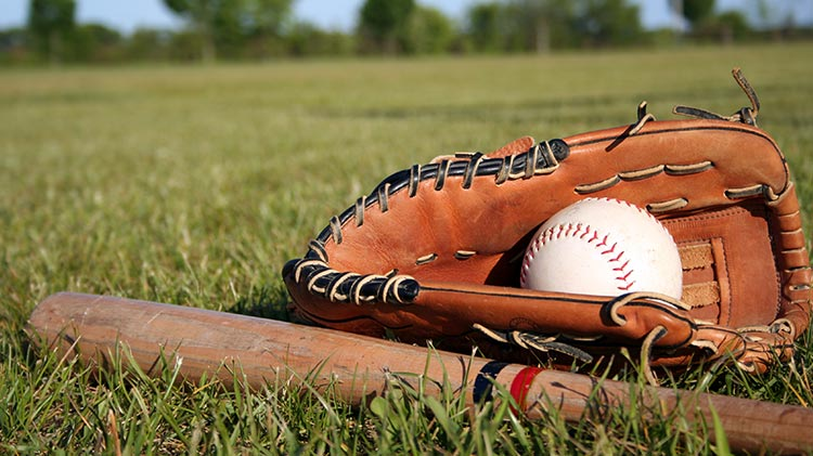 vz_sports_baseball_ballglovebatgrass_750x421_jan14.jpg